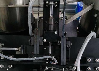 弹簧自动装配机